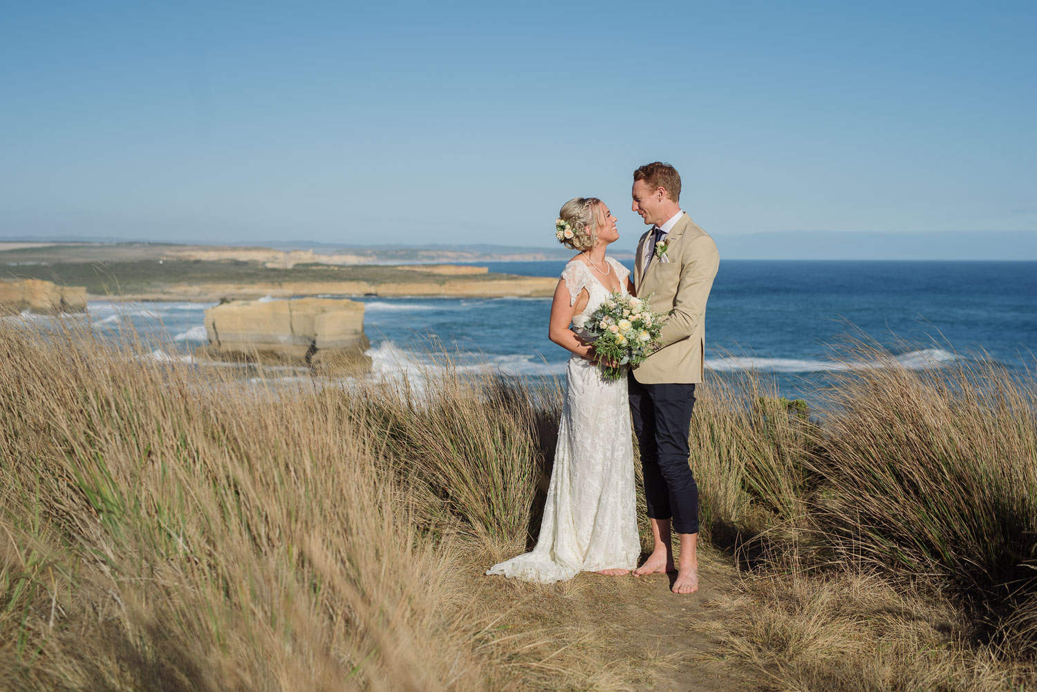 Wedding portrait overlocking The Twelve Apostles