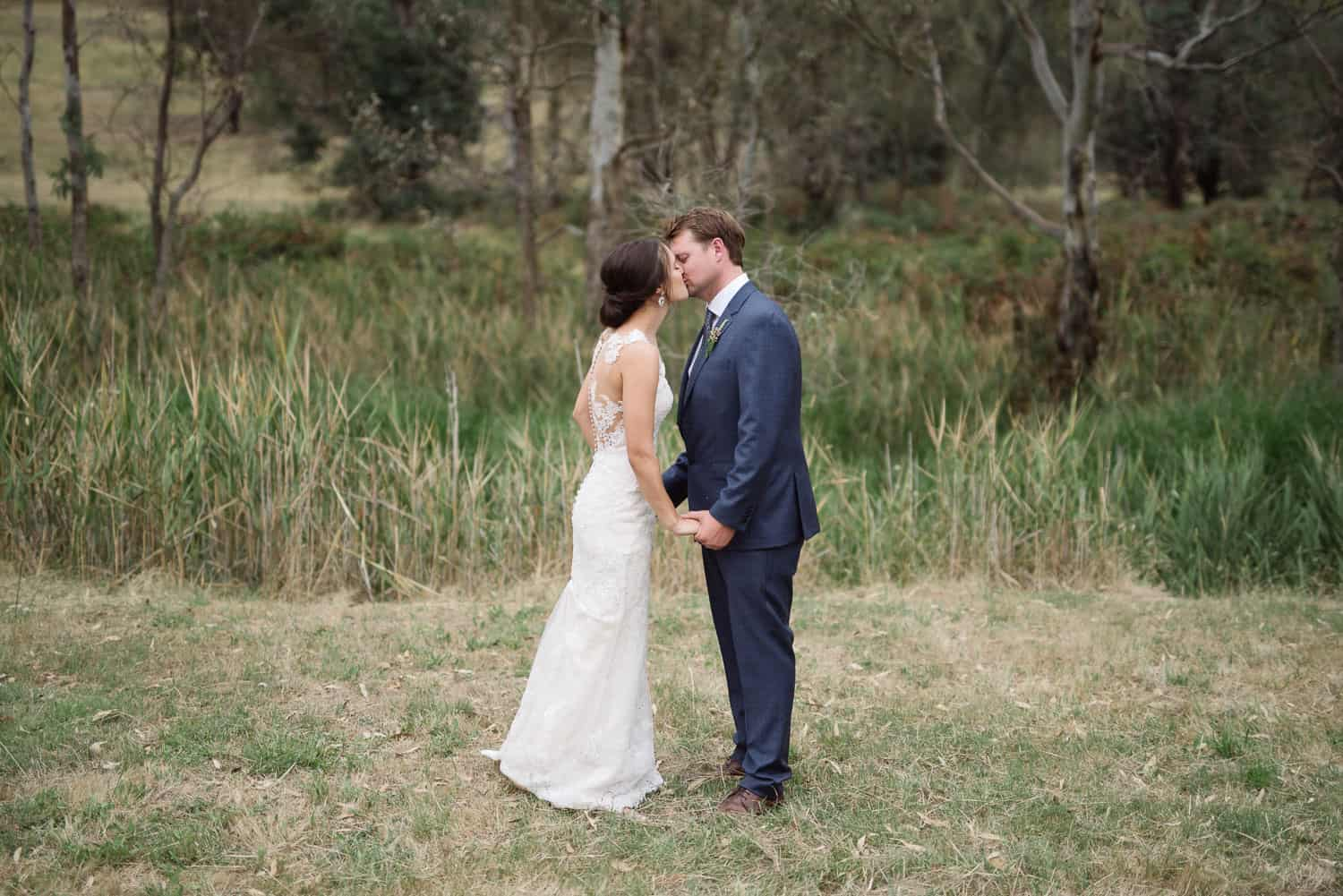 First kiss at a Mt Sturgeon homestead wedding