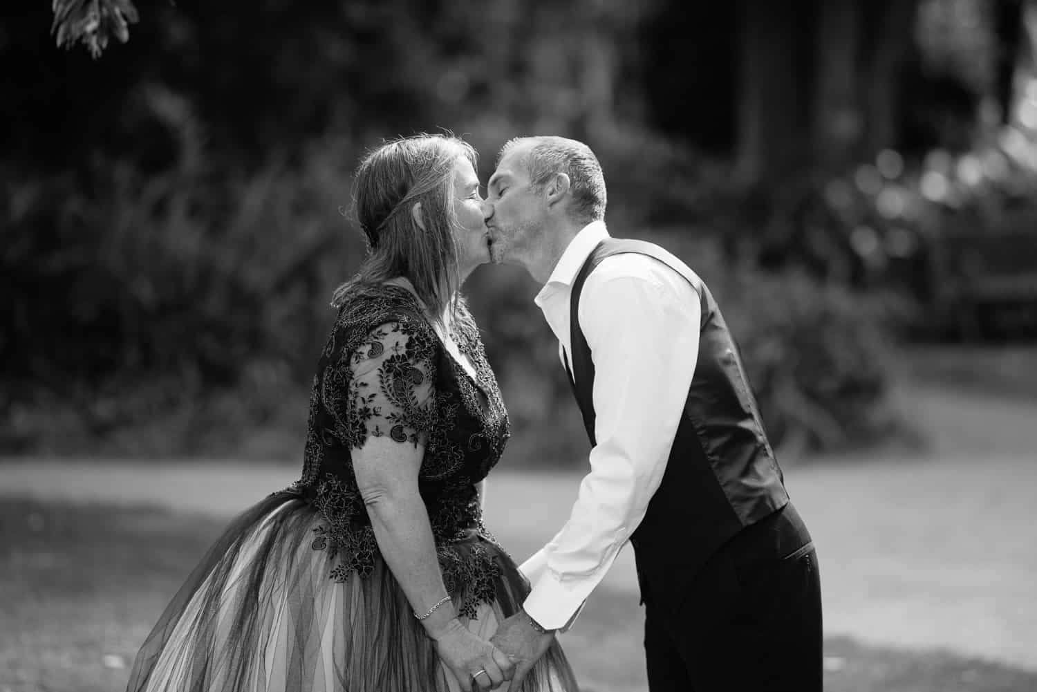 First kiss in Colac Botanic Gardens